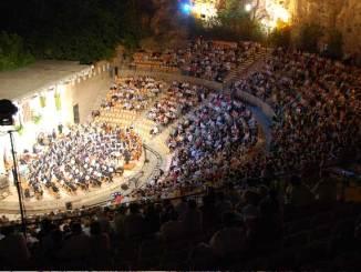 Se interpretarán obras de estreno y exclusivas para la 46ª edición de este concierto.