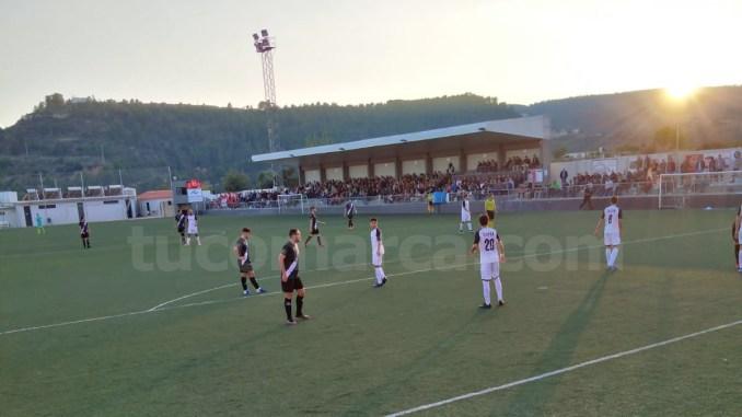 Reparto de puntos entre el CD Buñol y el SC Requena.
