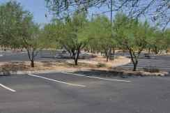 parking is plentiful at Canada Del Oro Riverfront Park