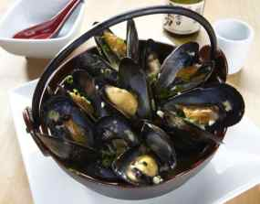 Drunken Black Mussels