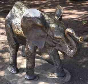 elephant sculpture Reid Park Zoo