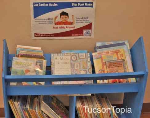 Blue-Book-House-at-Casa-de-los-Ninos