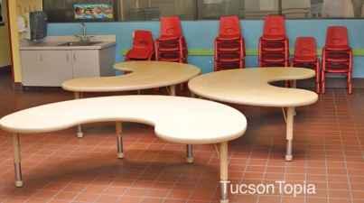 dining-room-at-Casa-de-los-Ninos