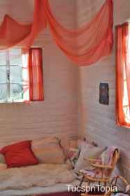 cozy-quiet-nook-in-Tucson-Waldorf-School-classroom