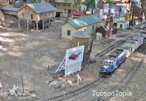 model-train-at-Tucson-Botanical-Gardens