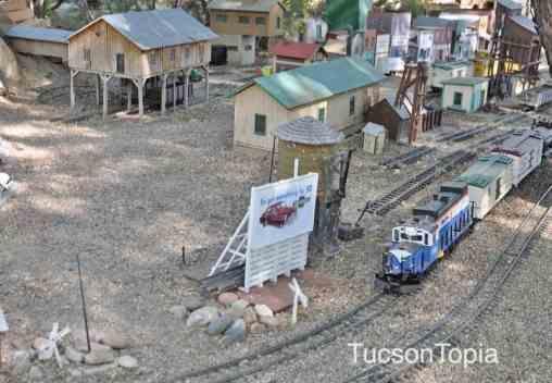 model-train-at-Tucson-Botanical-Gardens