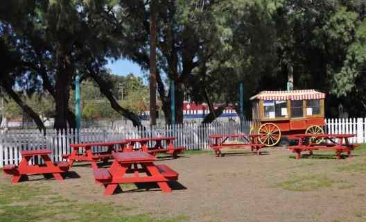 picnic tables in Pollyana Park