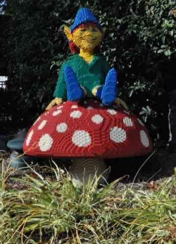 Elf at LEGOLAND California