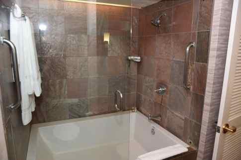 oversized bath tub in every room at Loews Ventana Canyon Resort Tucson