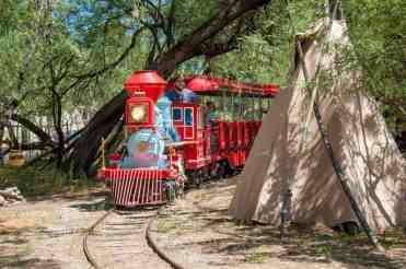 train-and-teepee-at-trail-dust-town