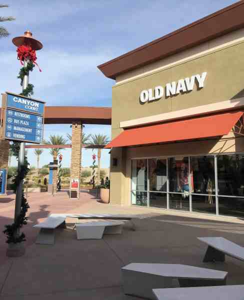 Old Navy at Tucson Premium Outlets