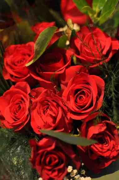roses-ajs-fine-foods-tucson