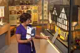 Gallery Guide Mini Time Machine Museum