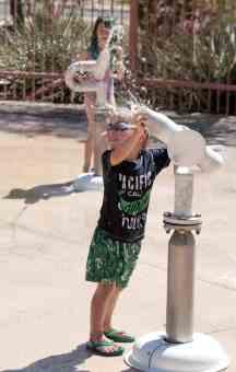 children playing Catalina Park Splash Pad