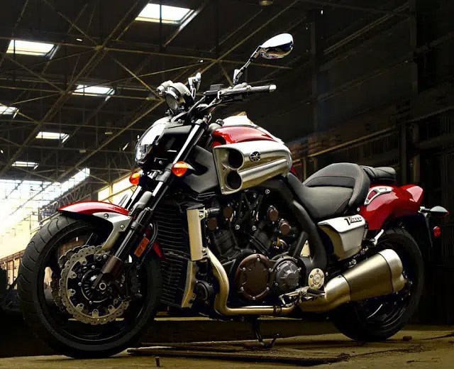 Yamaha V-Max continua liderando entre as motos mais caras do país