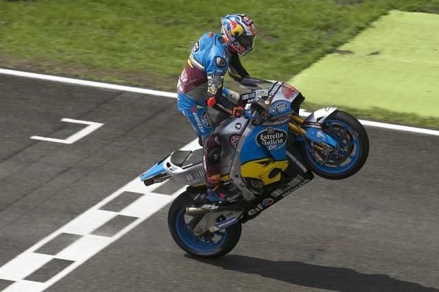 """Jack Miller uma """"zebra"""" que corre sobre a água vence o MotoGP na Holanda"""