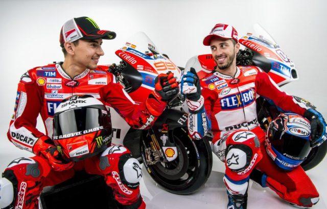 Foto oficial da Ducati com Lorenzo e Dovisiozo