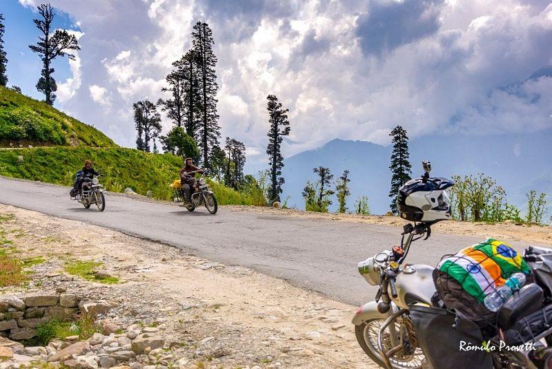 Livro: Viagem de moto pelos caminhos do Himalaia