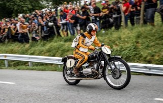 "BMW Motorrad exibe motos clássicas no festival ""Wheels and Waves"""