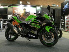 Recém lançada Ninja 400 da Kawasaki