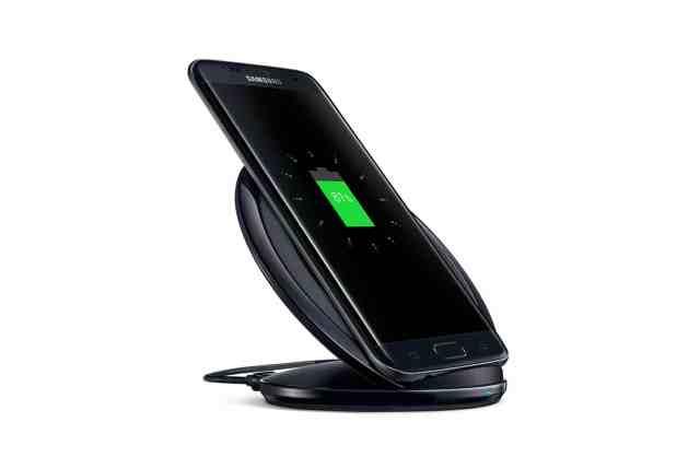 galaxy-s7_hardware_wirelesscharging_l