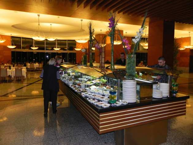 Rixos Sungate, Pino Restaurant