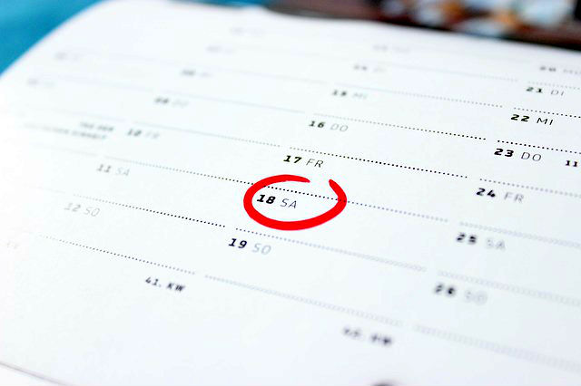 Kalender mit einem rot eingekreisten Abflugdatum in die Türkei