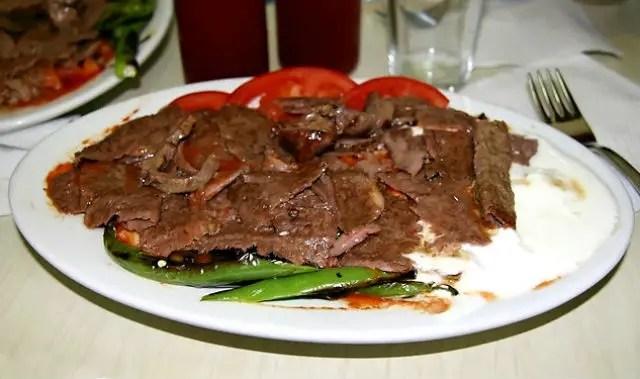 Iskender Kebab im Restaurant Kebabçı İskender oğlu Cevat