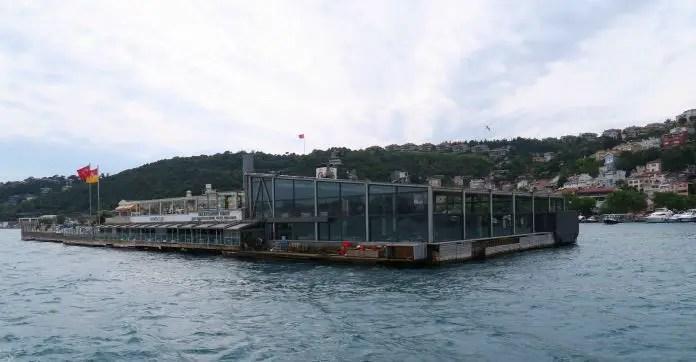 Die etwa 200 Meter lange und 50 Meter breite Galatasaray Insel im Bosporus.