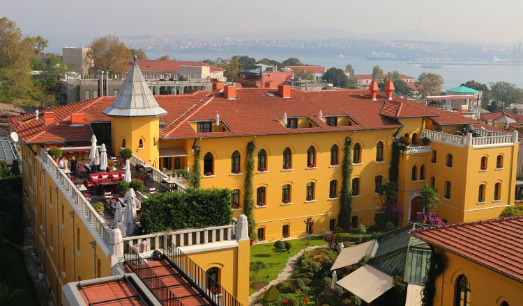 Four Seasons at Sultanahmet Hotel und der Ausblick auf den Bosporus
