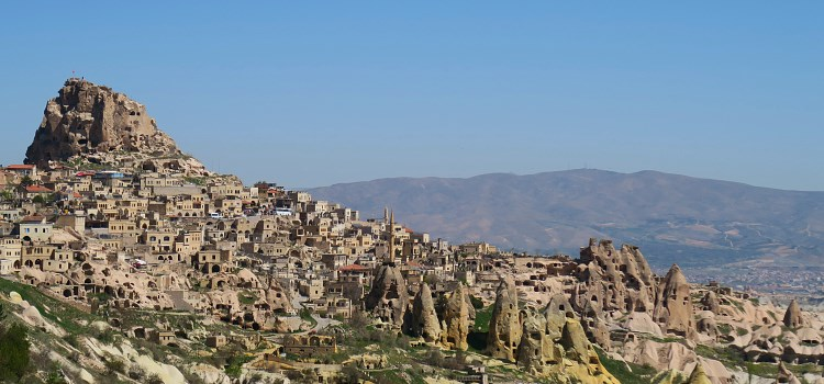 Blick vom Pasabag Valley auf die Festung Uchisar