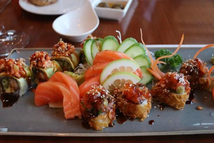 Sushi auf einem Teller
