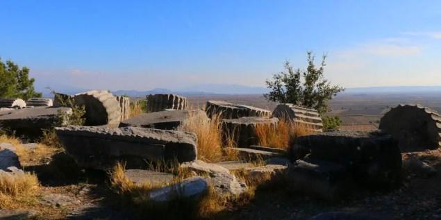 Säulen in den Ruinen