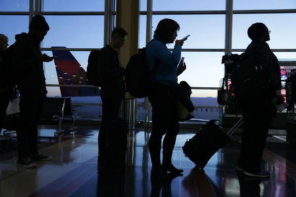 Europa y EEUU(pais) deciden sobre el uso del computador portátil en los aviones