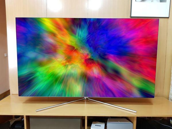 Samsung-QLED-Q7F-65 manchas de colores