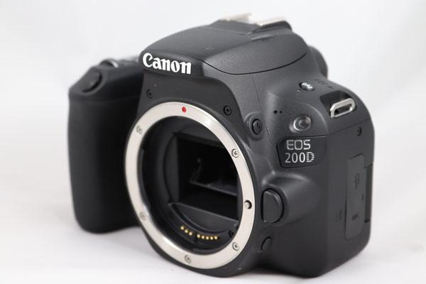 hemos probado Canon EOS 200D diseño