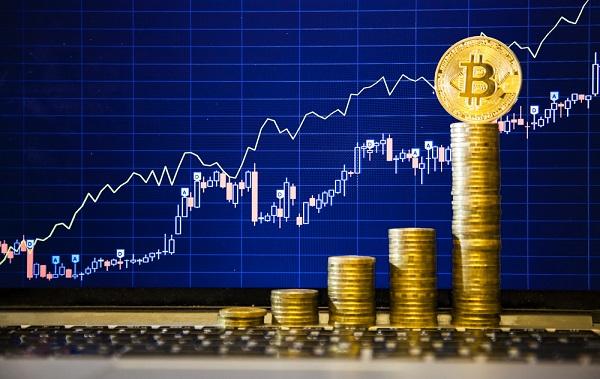 El Bitcoin continúa subiendo y sobrepasa los 4.000 dólares