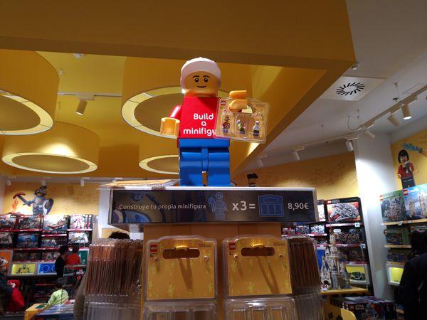 tienda lego madrid crea tus minifiguras