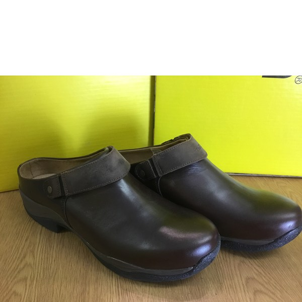 clearance-carlow-clogs-45-11