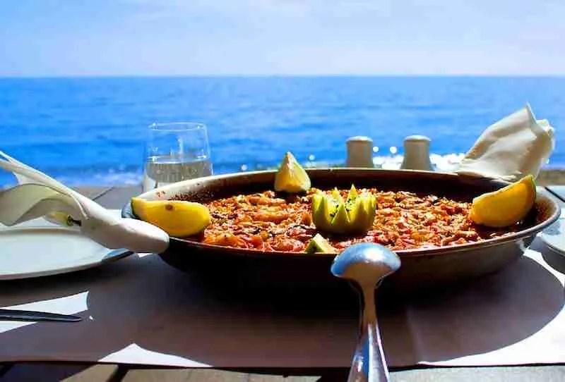 7-fm-beach-paella