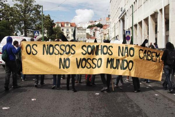 Fotos e vídeos da manifestação RUA COM TODOS