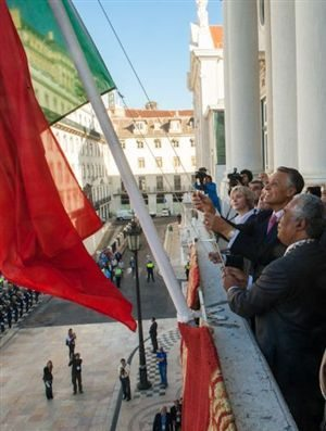 Tugaleaks apresenta queixa contra Cavaco Silva e António Costa