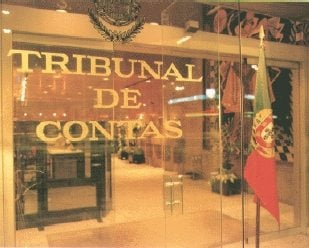 Governo Regional dos Açores: irregularidades variadas em 2010
