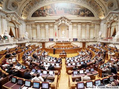 Um tacho para a vida: a subvenção vitalícia dos políticos em Portugal