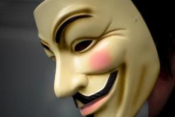 """Activista ligado ao colectivo Anonymous detido """"em directo"""" pelo FBI"""