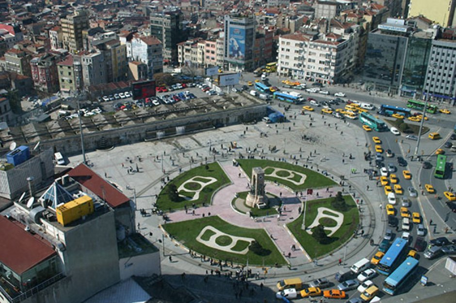Panorámica de la plaza Taksim de Estambul