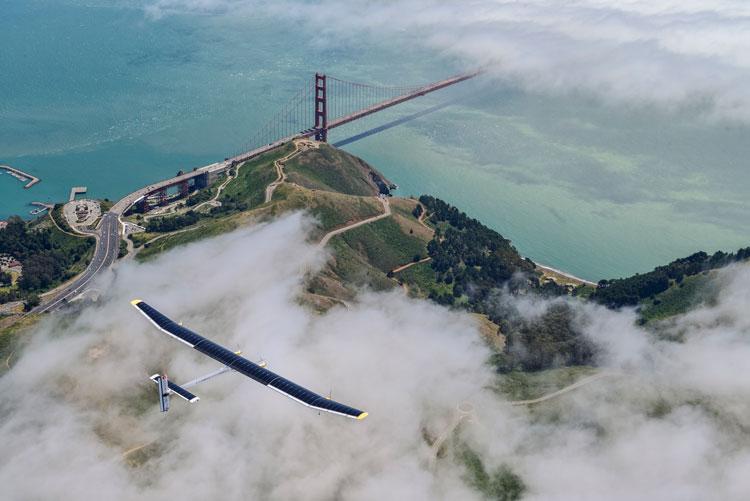 La Vuelta al mundo sin escalas del avión Solar Impulse 2