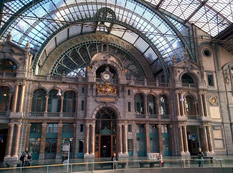 Interior de la Estación Central de Amberes. © Tu Gran Viaje