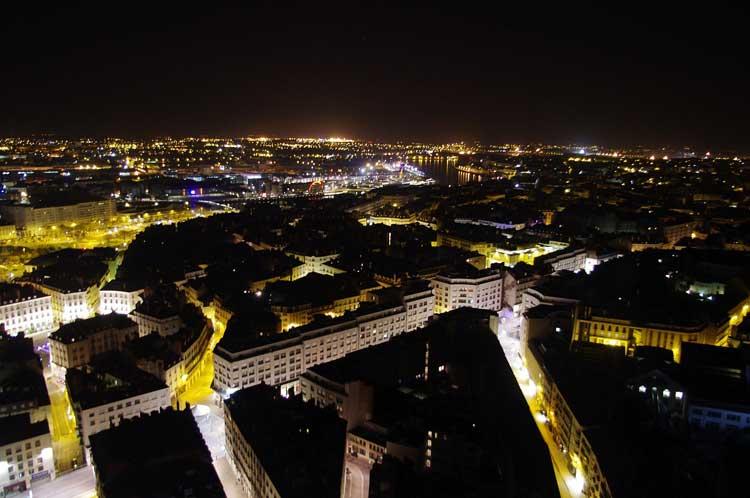 Panorámica nocturna de Nantes