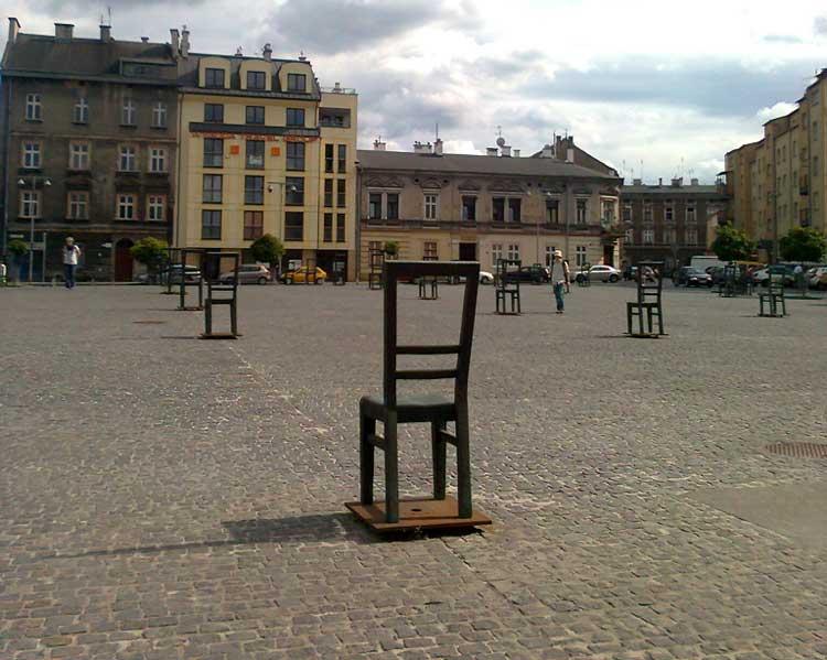 Plaza de los Héroes del Gueto (Plac Bohaterów Getta) de Cracovia.